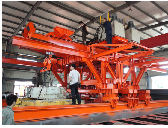Bridge Beam Segment Lifter Crane Launched by Hydraulic System With Steel Wheel