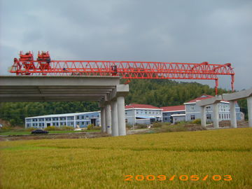 China OEM Durable And Reliable Travelling Steel launching Gantry Crane For Railway Construction supplier