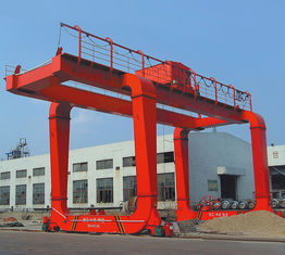 China DCS Launching Girder Bridge / Crane Gantry With Trolley / 37t -15m - 09m / supplier