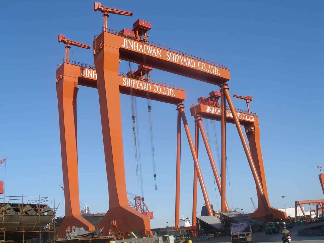 40m Span Portal Gantry Shipyard Cranes With Rigid Outrigger