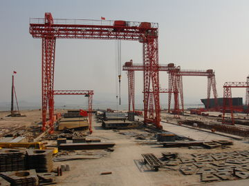 China Hydraulic Motor Shipyard Cranes Electric Shipyard Gantry Deck Crane For Stock Yards distributor