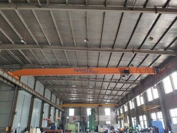 China 2.5 T load capacity electric Single girder overhead cranes travelling crane for light duty distributor